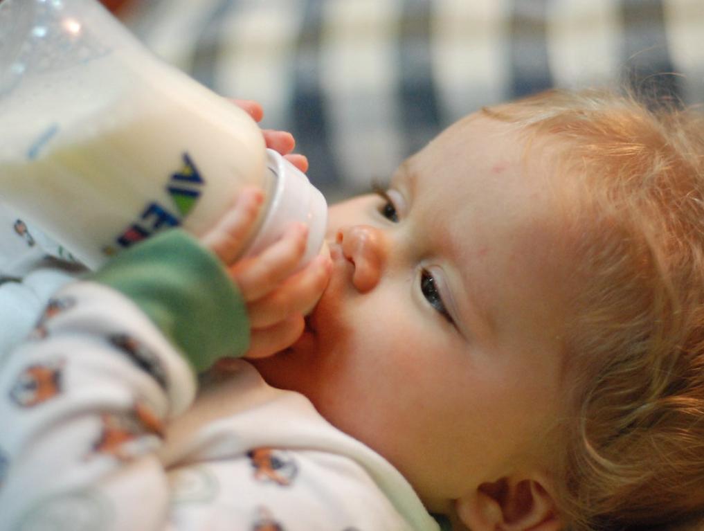 Tips for Bottle Feeding Breastfed Babies